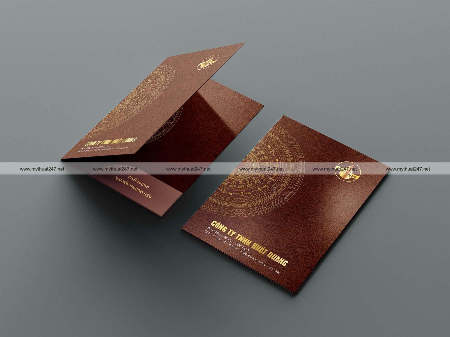 Thiết kê và in ấn folder Công ty TNHH Nhật Quang